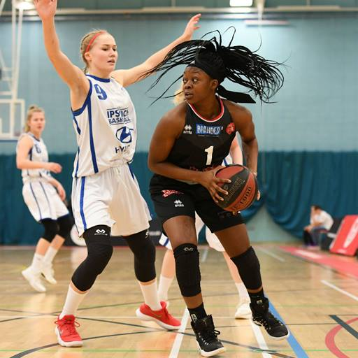 Jasmine Ogunjimi takes on Ipswich Hoops