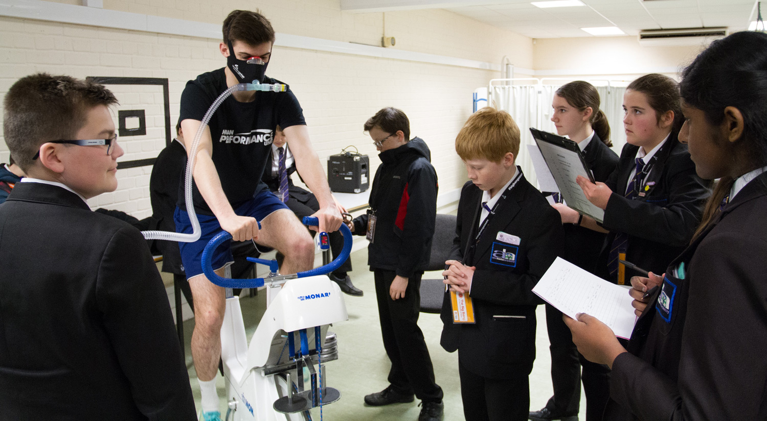 Students from Alec Hunter Academy take an altitude training workshop with our Human Performance Unit