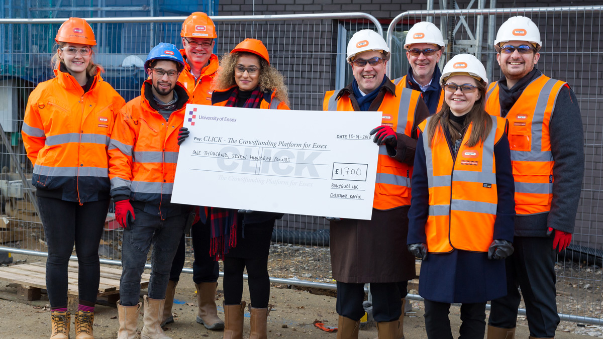 The Bouygues team present their cheque to Essex)