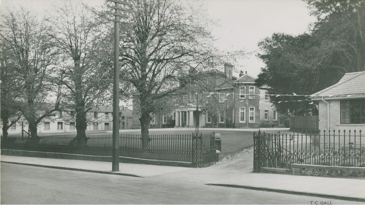 Colchester Hospital in 1936)