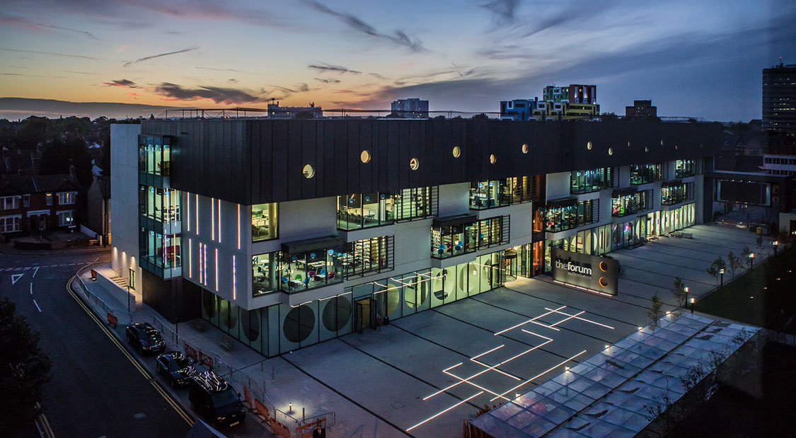 The show-stopping Forum Southend-on-Sea houses a comprehensive library, teaching spaces and Learning Hub - perfect for students to get the most out of their studies